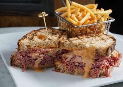 Corned_Beef_Hash_Sandwich